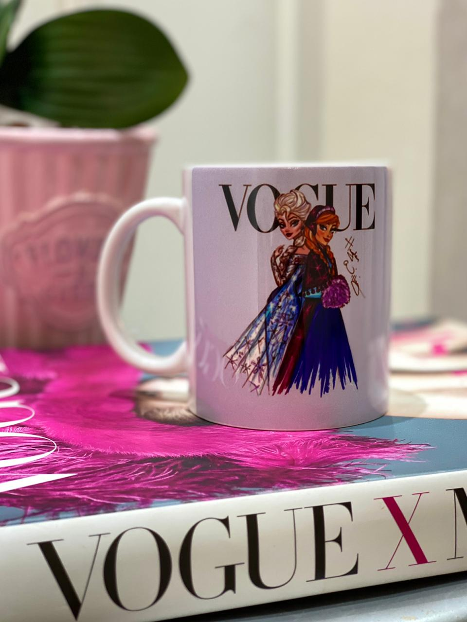 Caneca Elsa e Anna (Vogue): Princesas Disney
