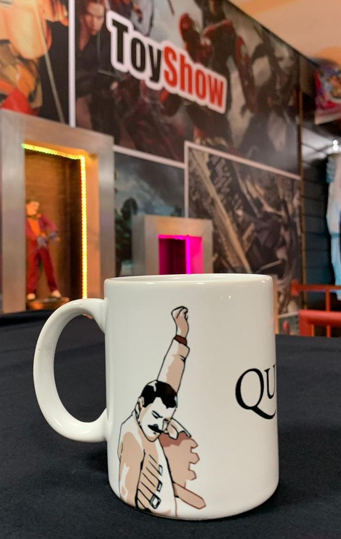 Caneca Freddie Mercury: Queen (300ml)