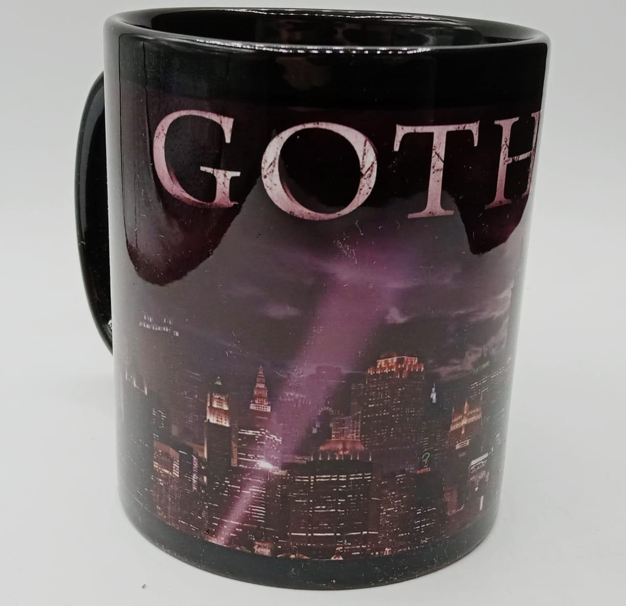 Caneca Gotham City: Batman (Preta)