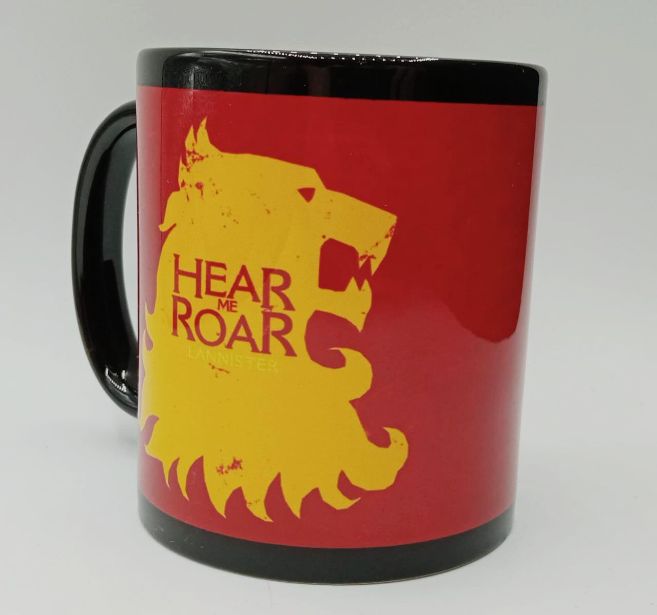 Caneca Hear Me Roar Lannister Game of Thrones (Preta)