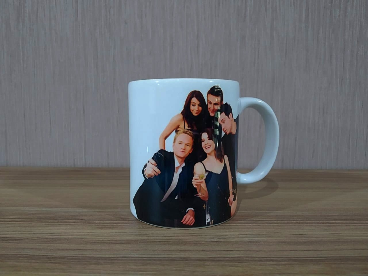 Caneca: How I Met Your Mother - Personagens