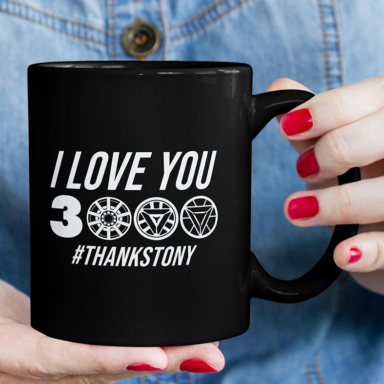 Caneca I Love You 3000 #Thanks Tony Stark Iron Man Homem De Ferro Marvel (Preta) - EV