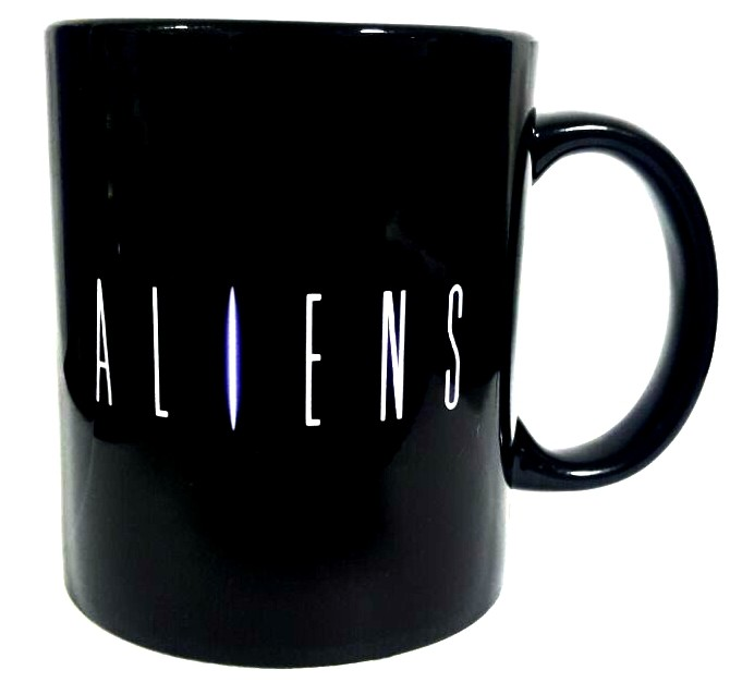 Caneca Logo Aliens e Alien Abrindo a Boca