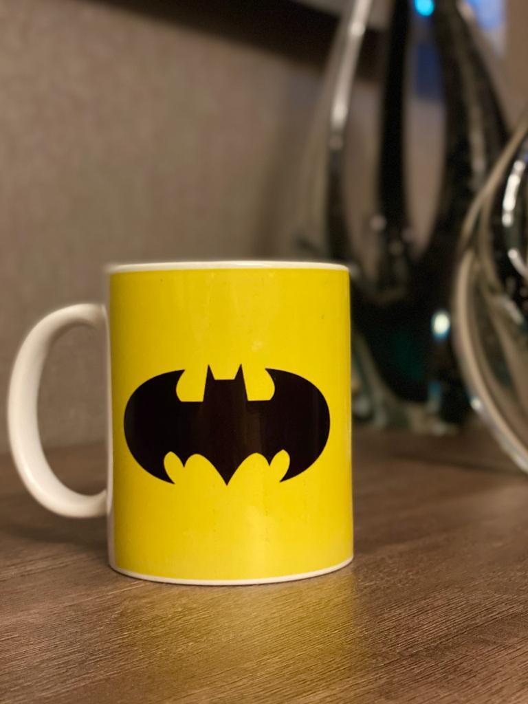 Caneca Logo Batman (Amarelo)
