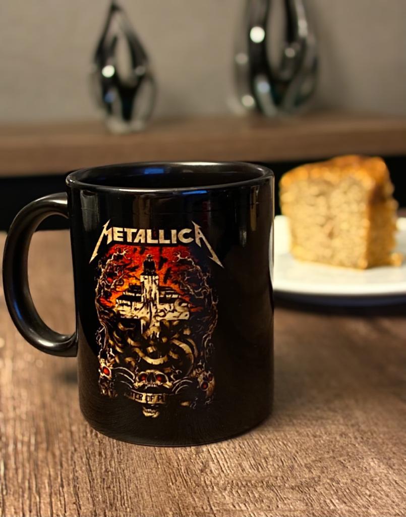 Caneca Master Of Puppets: Metallica (Preto)