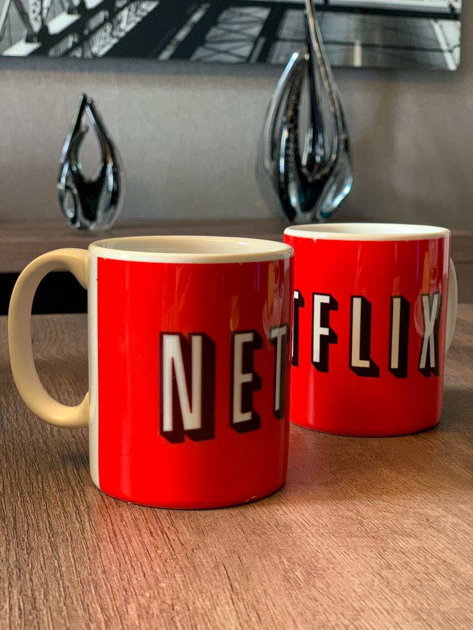 Caneca Netflix (Vermelha)