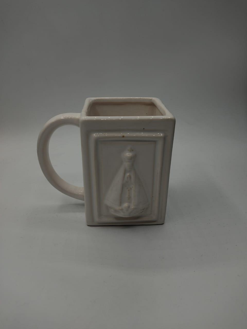 Caneca Nossa Senhora Aparecida ''Branca''  (Pequenos Detalhes Na Cerâmica)
