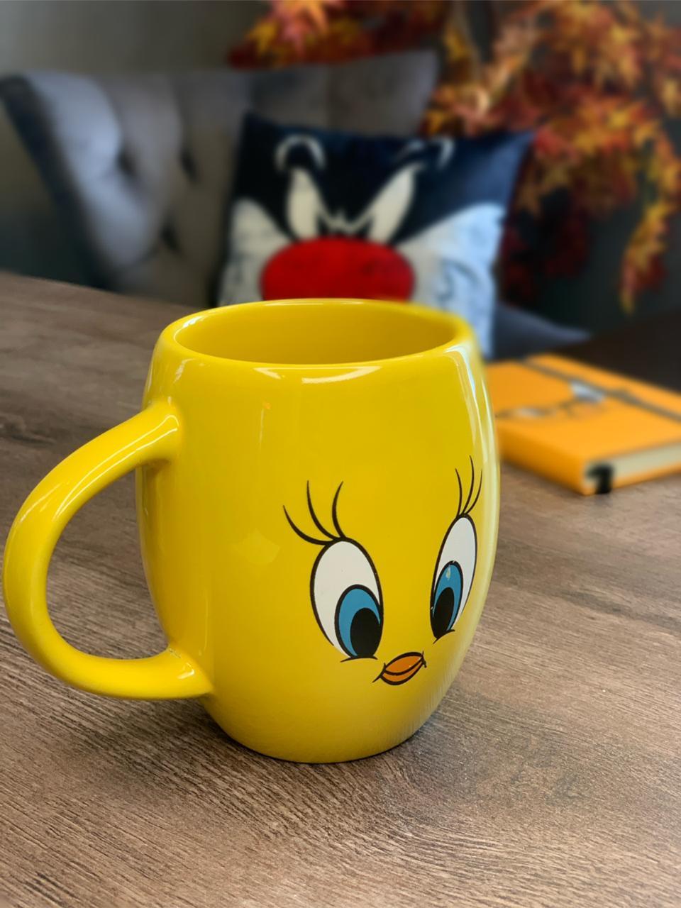 Caneca Porcelana: Piu Piu: Looney (Amarela) - Urban