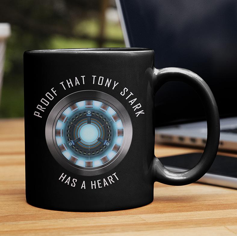 Caneca Proof That Tony Stark Has A Heart Prova De Que Tony Tem Um Coração Iron Man Homem De Ferro (Preta) - EV