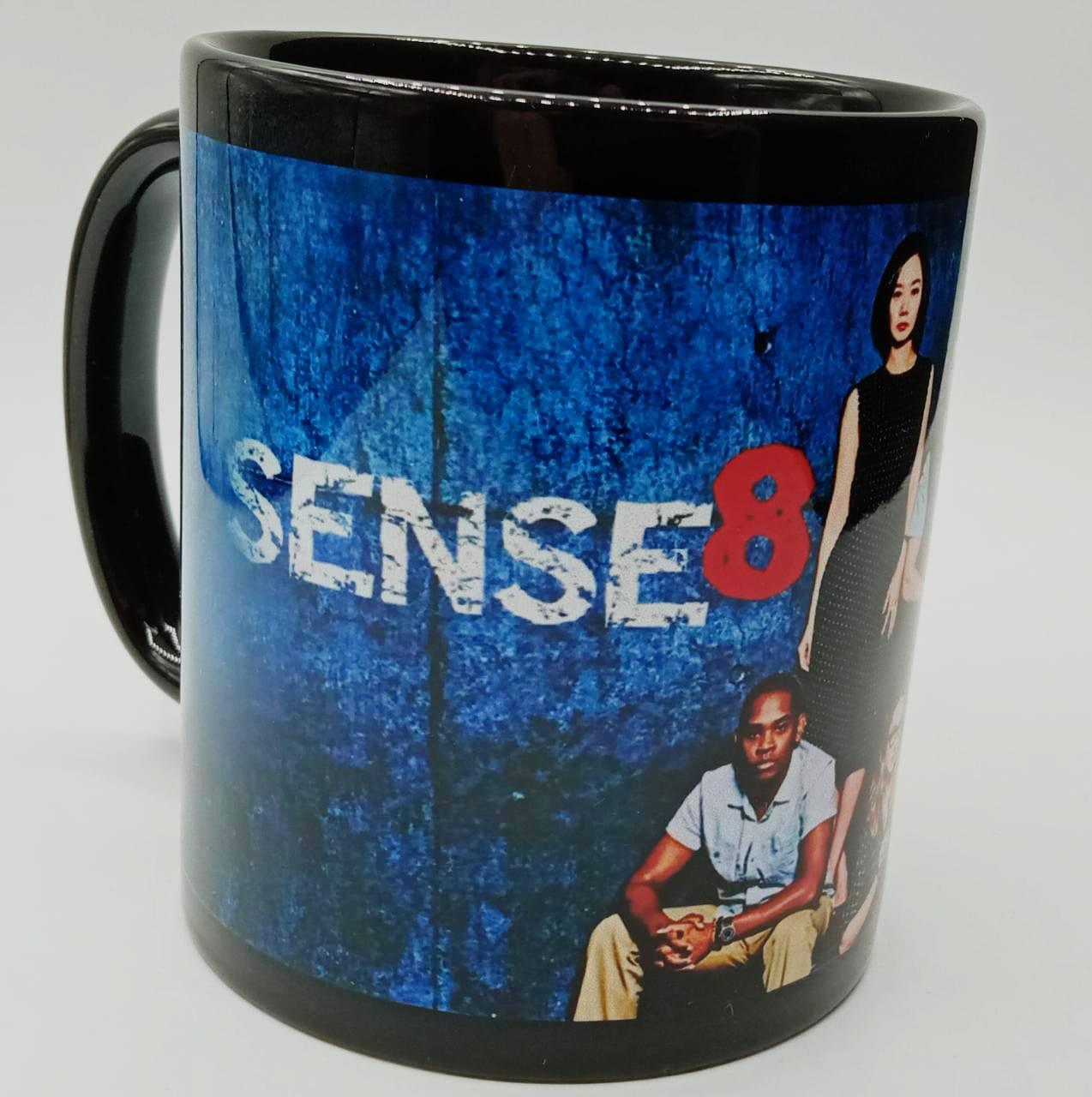 Caneca Sense 8 (Preta)