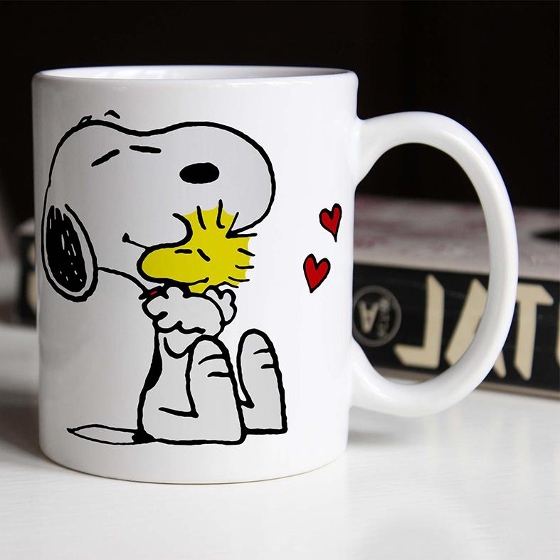Caneca Snoopy E Woodstock Abraço Corações Pássaro Cachorro Bird Charlie Brown (Branca) - EV