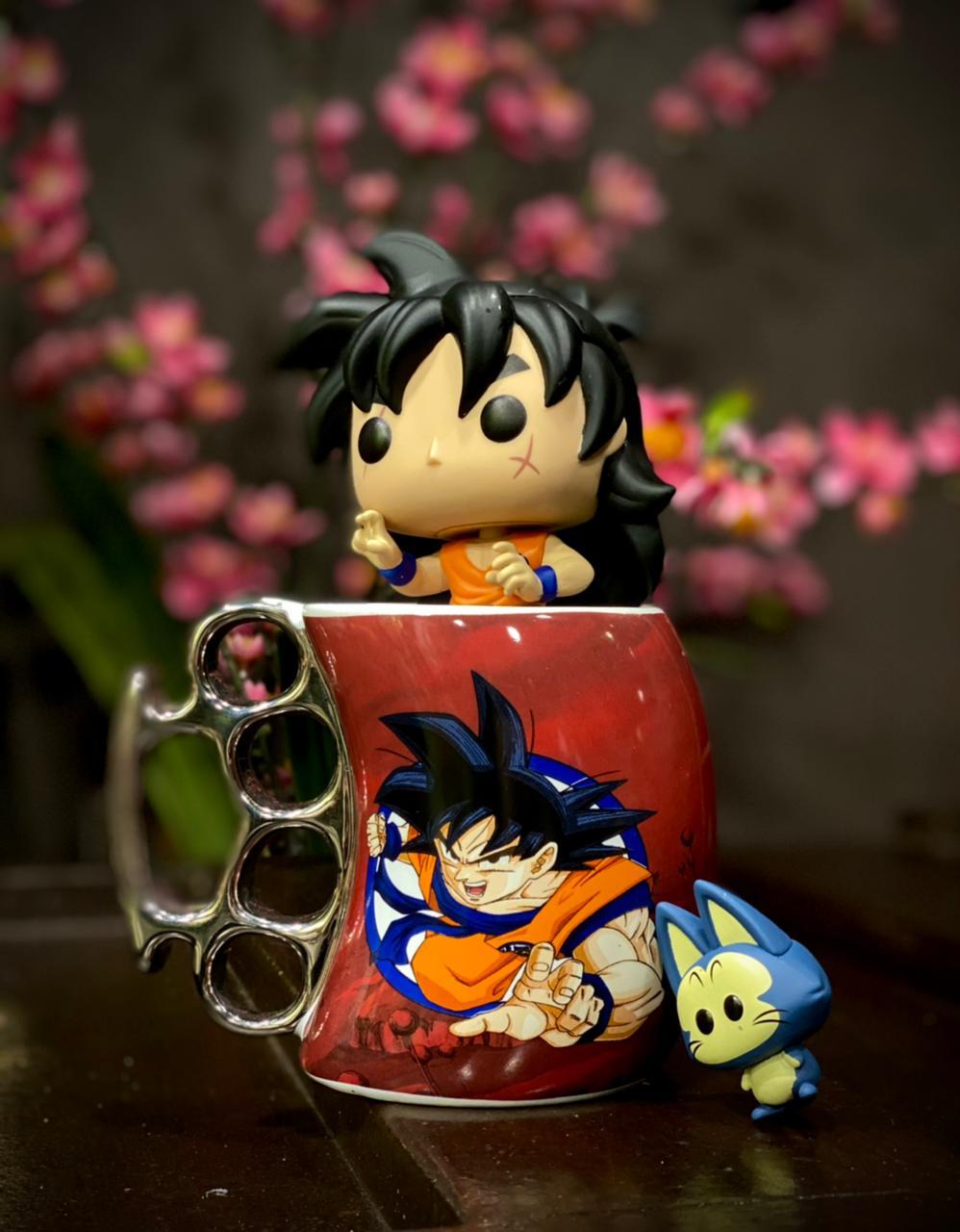 Caneca Soco Inglês: Goku Dragon Ball Z