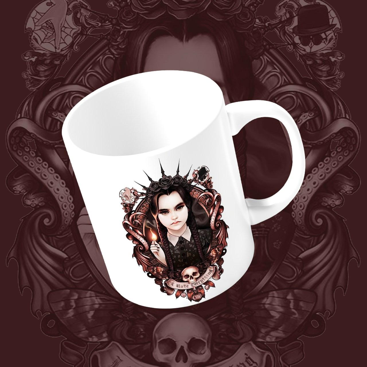 Caneca Vandinha Realista: A Família Addams (Branco) - EV
