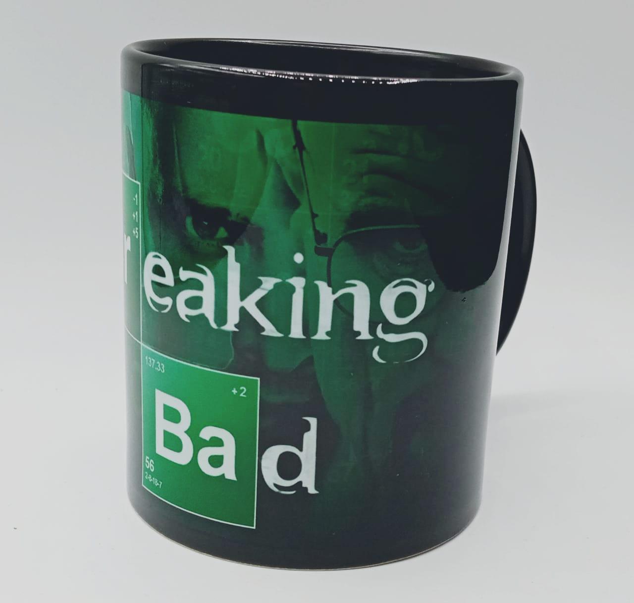 "Caneca ""Walter White e Jesse Pinkman"": Breaking Bad (Preta)"