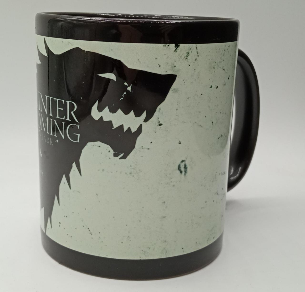 Caneca Winter is Coming Stark Game of Thrones (Preta)