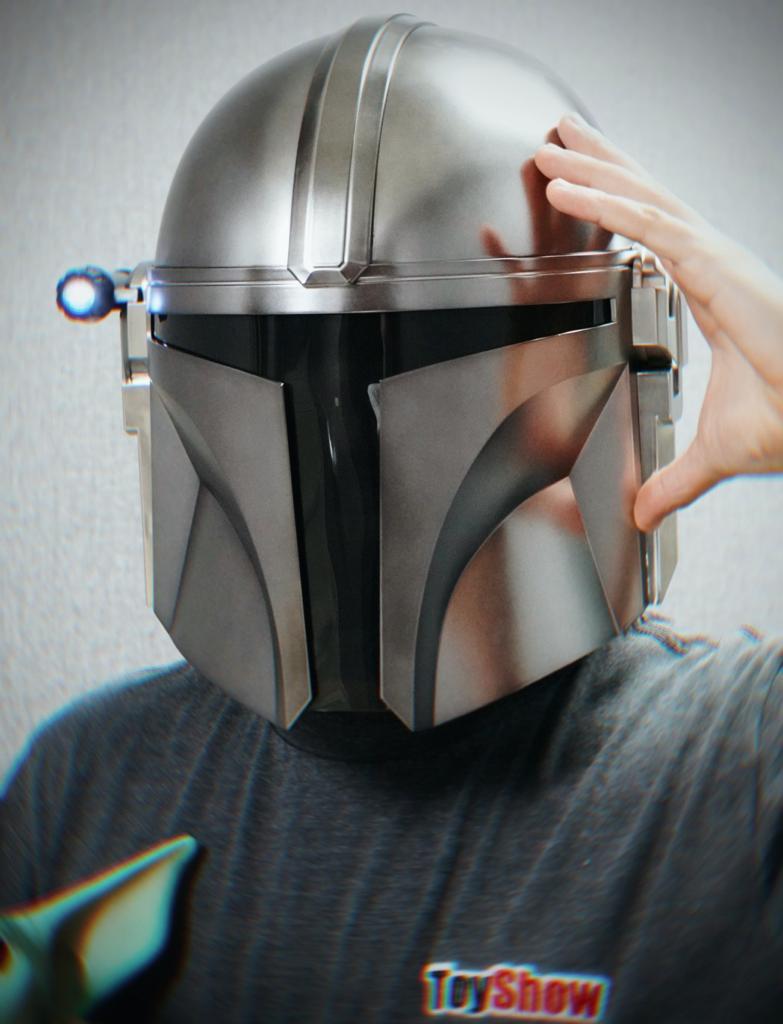 Capacete Eletrônico Electronic Helmet Luz Tática  O Mandaloriano The Mandalorian: Star Wars The Black Series - Hasbro