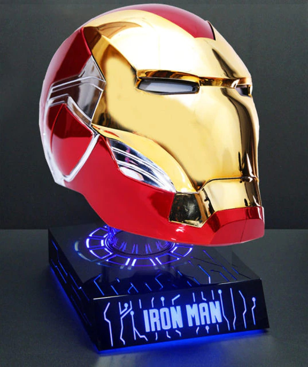 Capacete Homem de Ferro Iron Man: Vingadores Guerra Infinita Com base de Led - Marvel - EVALI