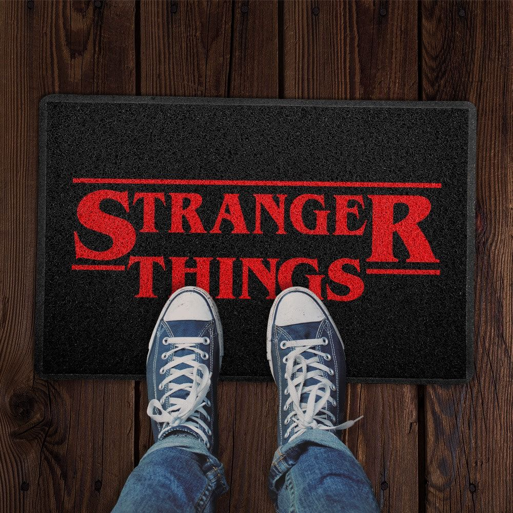 """Capacho """"Stranger Things"""" - EV  - Toyshow Geek e Colecionáveis Tudo em Marvel DC Netflix Vídeo Games"""
