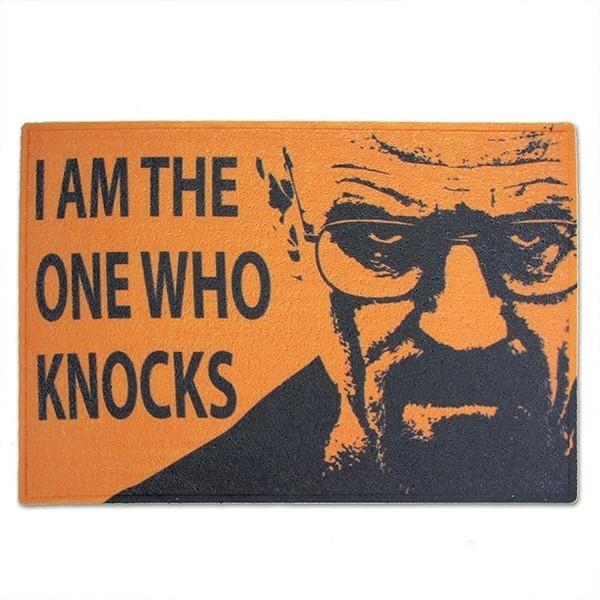 Capacho Who Knocks: Breaking Bad - Fábrica Geek PRESENTE E DECORAÇÃO GEEK