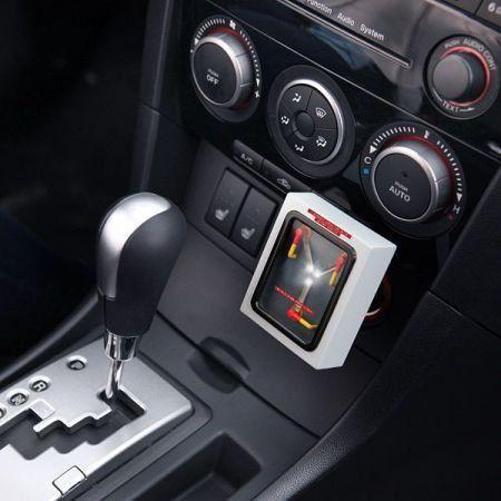 Carregador para Carro USB: De Volta Para o Futuro Capacitor de Fluxo - ThinkGeek