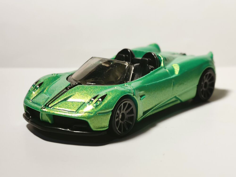 Carrinho Hot Wheels '17 Pagani Huayra Roadster (TKPLX): HW Roadsters - Mattel