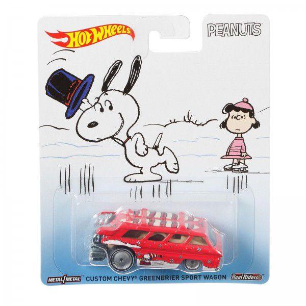 Carrinho Hot Wheels Custom Chevy Greenbrier Sport Wagon: Snoopy (Peanuts) - Mattel