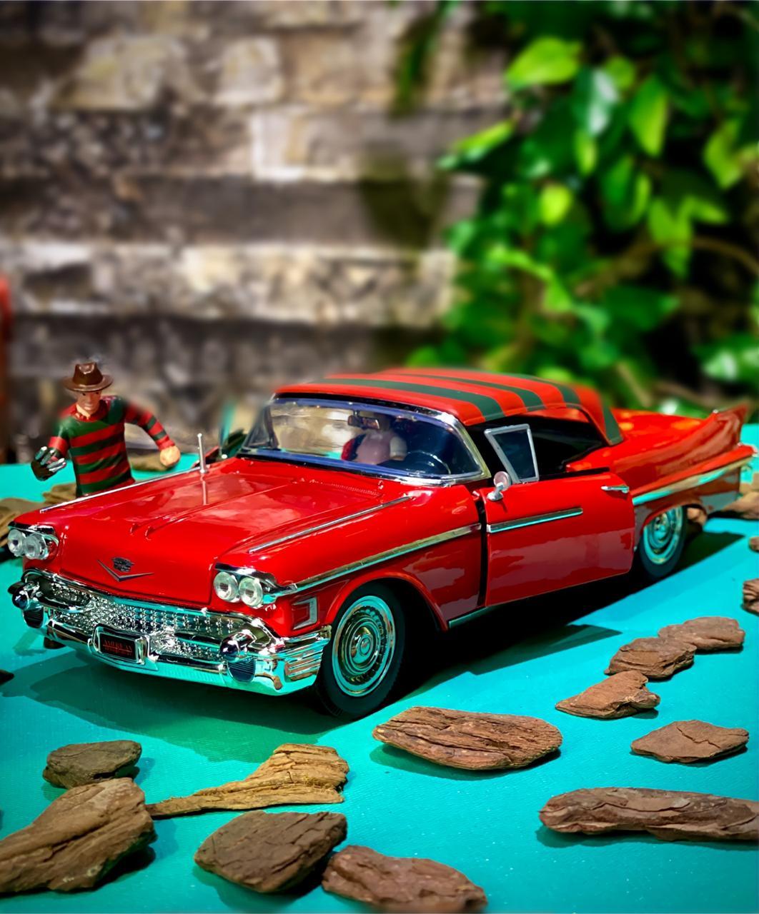 Carro Com Boneco Cadillac Series 62 Freddy Krueger: Hora Do Pesadelo (Die Cast Figure) Escala 1/24 - Jada Toys