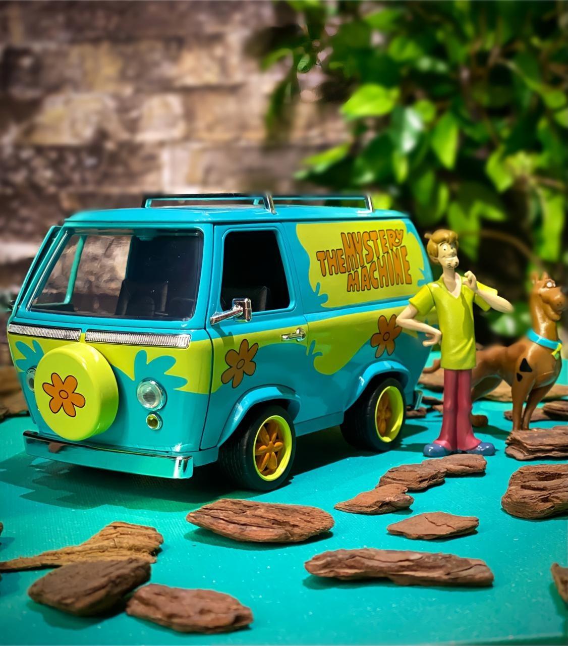Carro Com Boneco Máquina De Mistério Mystery Machine: Scooby Doo! (Die Cast Figure) Escala 1/24 - Jada Toys