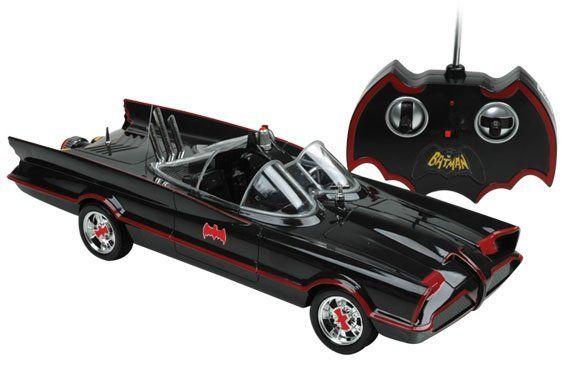 Carro com Controle Remoto Batmobile (Batmóvel): Série Clássica da TV 1/18 - Candide