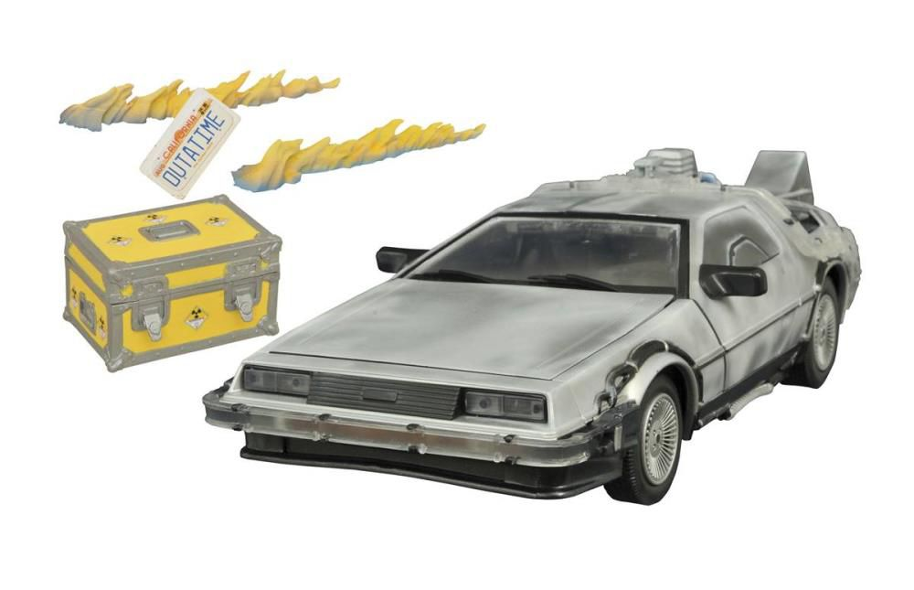 Carro DeLorean (Iced): De Volta Para o Futuro 2 (Escala 1/15) - Diamond Select (Apenas Venda Online)