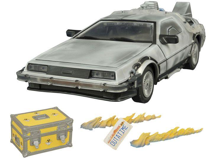 Carro DeLorean (Iced): De Volta Para o Futuro 2 (Escala 1/15) - Diamond Select (Apenas Venda Online)