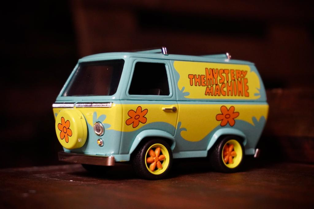 Carro Maquina de Mistério (Mystery Machine)'': Scooby-Doo! (Die Cast Figure) Escala 1/32 - Jada Toys
