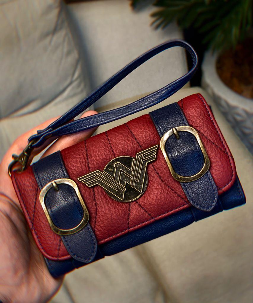 Carteira Feminina Mulher Maravilha Wonder Woman Vinho e Preta - DC Comics