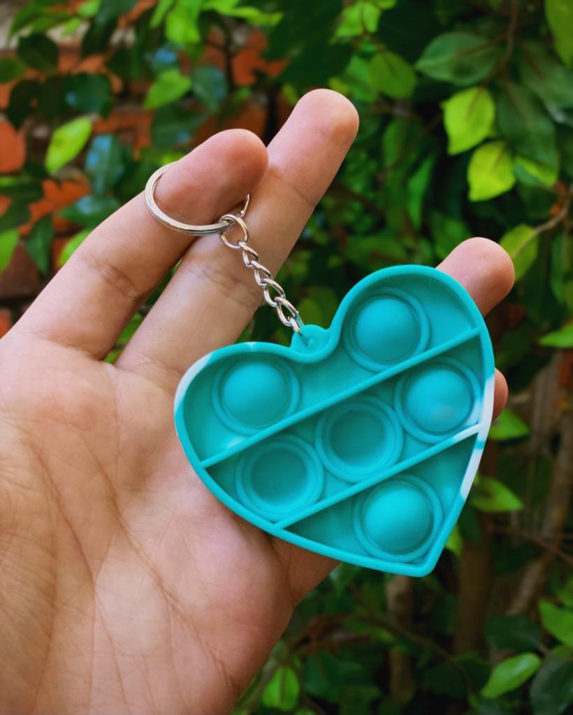 Chaveiro Brinquedo Anti Estresse Pop It Fidget Pop Tube Stress Ball Wacky Track SquishMallow Bubble Bolha Coração Verde Sensorial de Alívio de Stress Tie Dye