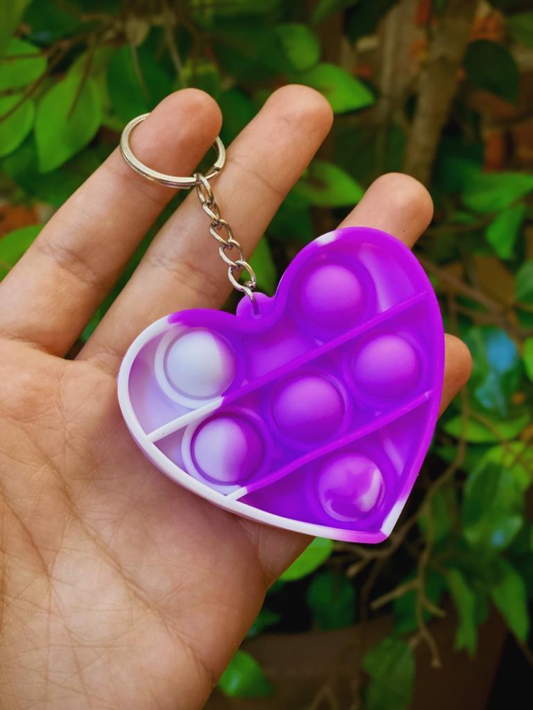 Chaveiro Brinquedo Anti Estresse Pop It Fidget Pop Tube Stress Ball Wacky Track SquishMallow Bubble Bolha Coração Roxo Sensorial de Alívio de Stress Tie Dye