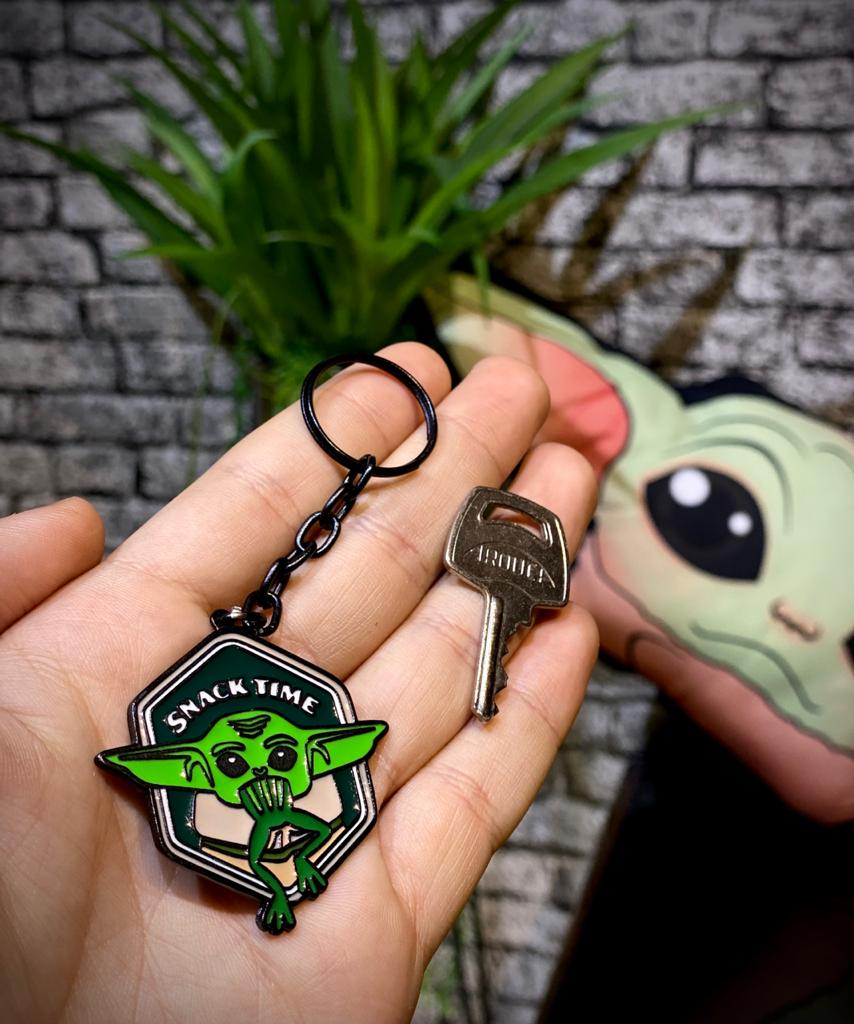 Chaveiro Grogu Baby Yoda Snack Time: O Mandaloriano The Mandalorian - Star Wars