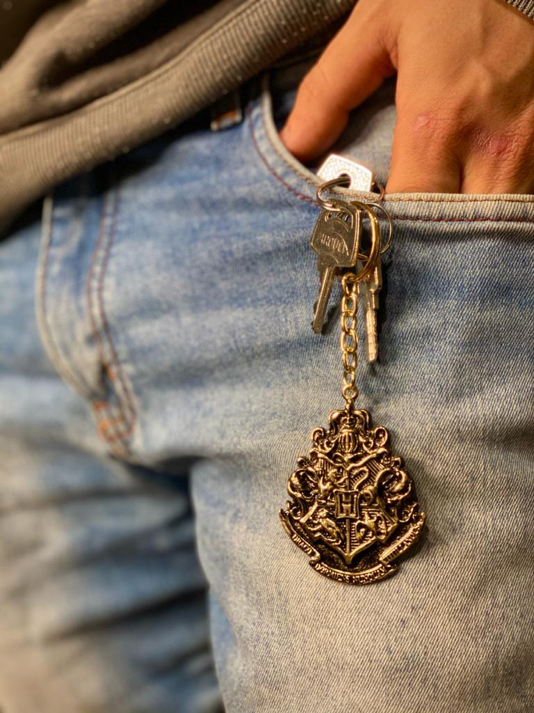 Chaveiro Hogwarts Casas: Harry Potter - Dourado