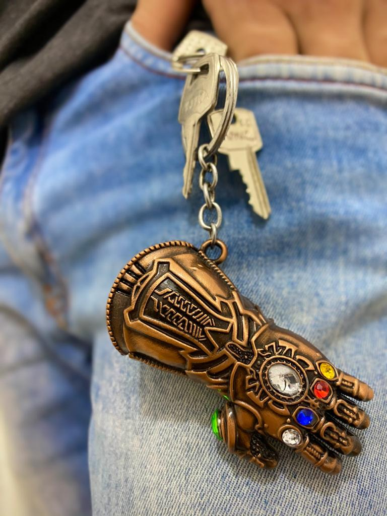 Chaveiro Manopla do Infinito Thanos (Infinity Gauntlet): Vingadores Guerra Infinita (Avengers Infinity War) Cobre