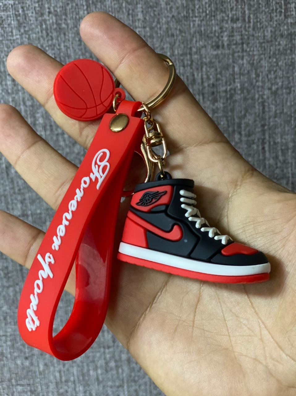 Chaveiro Nike SB x Jordan (Preta e Vermelha) Basquete NBA