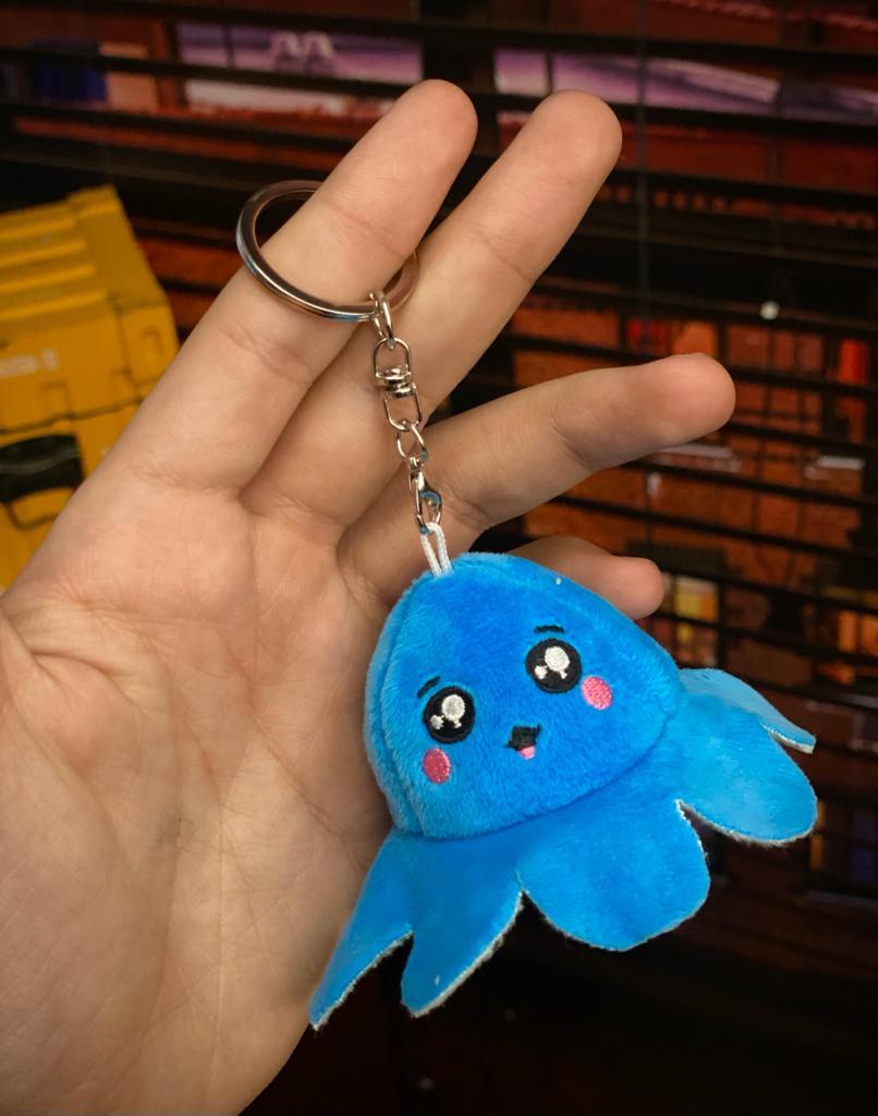 Chaveiro Pelucia Do Humor Polvo Flip Reversivel Azul e Verde: Kawaii Brinquedo Tik Tok 6cm