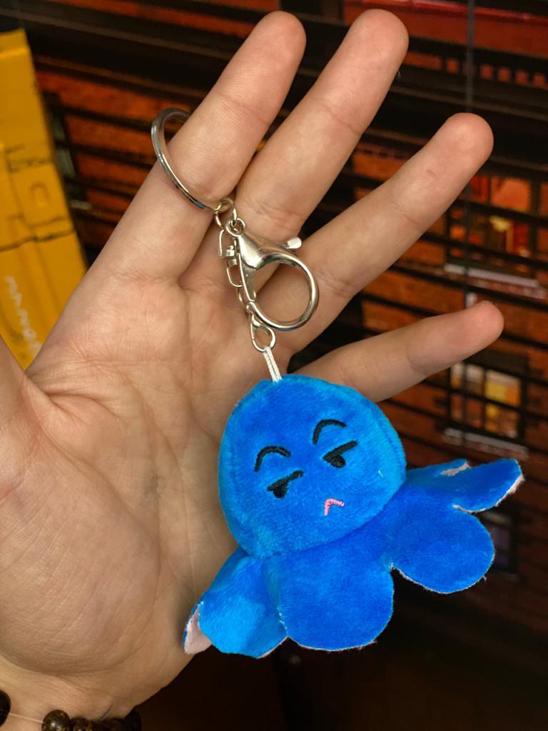 Chaveiro Pelucia Do Humor Polvo Flip Reversivel Rosa e Azul: Kawaii Brinquedo Tik Tok 6cm