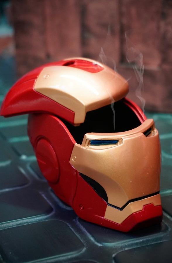 Cinzeiro Geek Capacete Homem de Ferro Iron Man Marvel Comics 8 cm