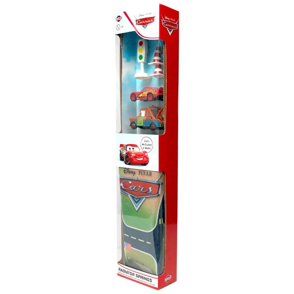Conjunto de Tapete com Acessórios e Carros ( Radiator Springs ) : Carros 2 (Disney) - Toyng