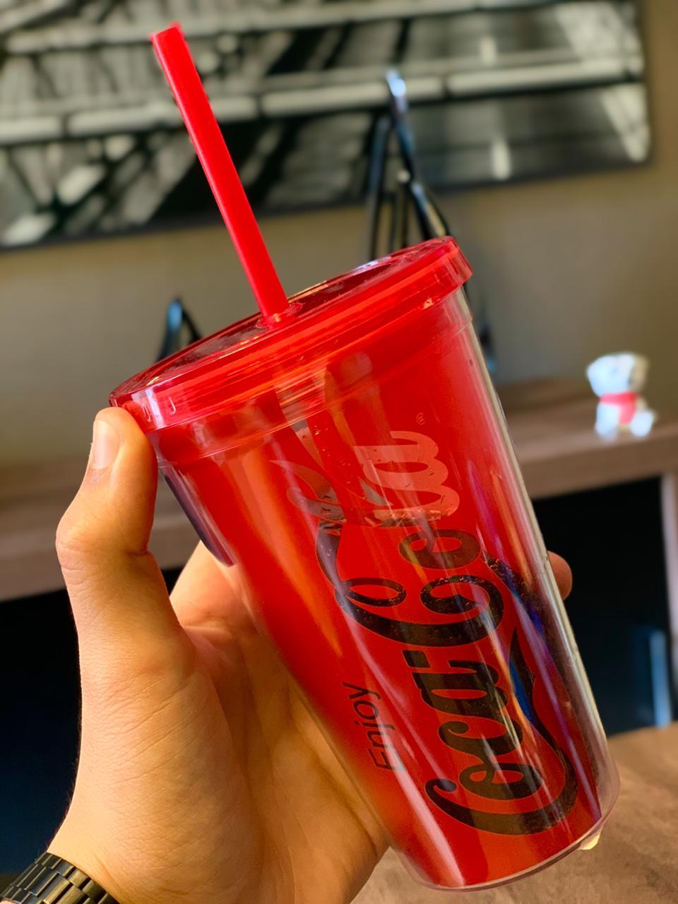 Copo Com Canudo Coca-Cola (Vermelho): Coca-Cola - Urban