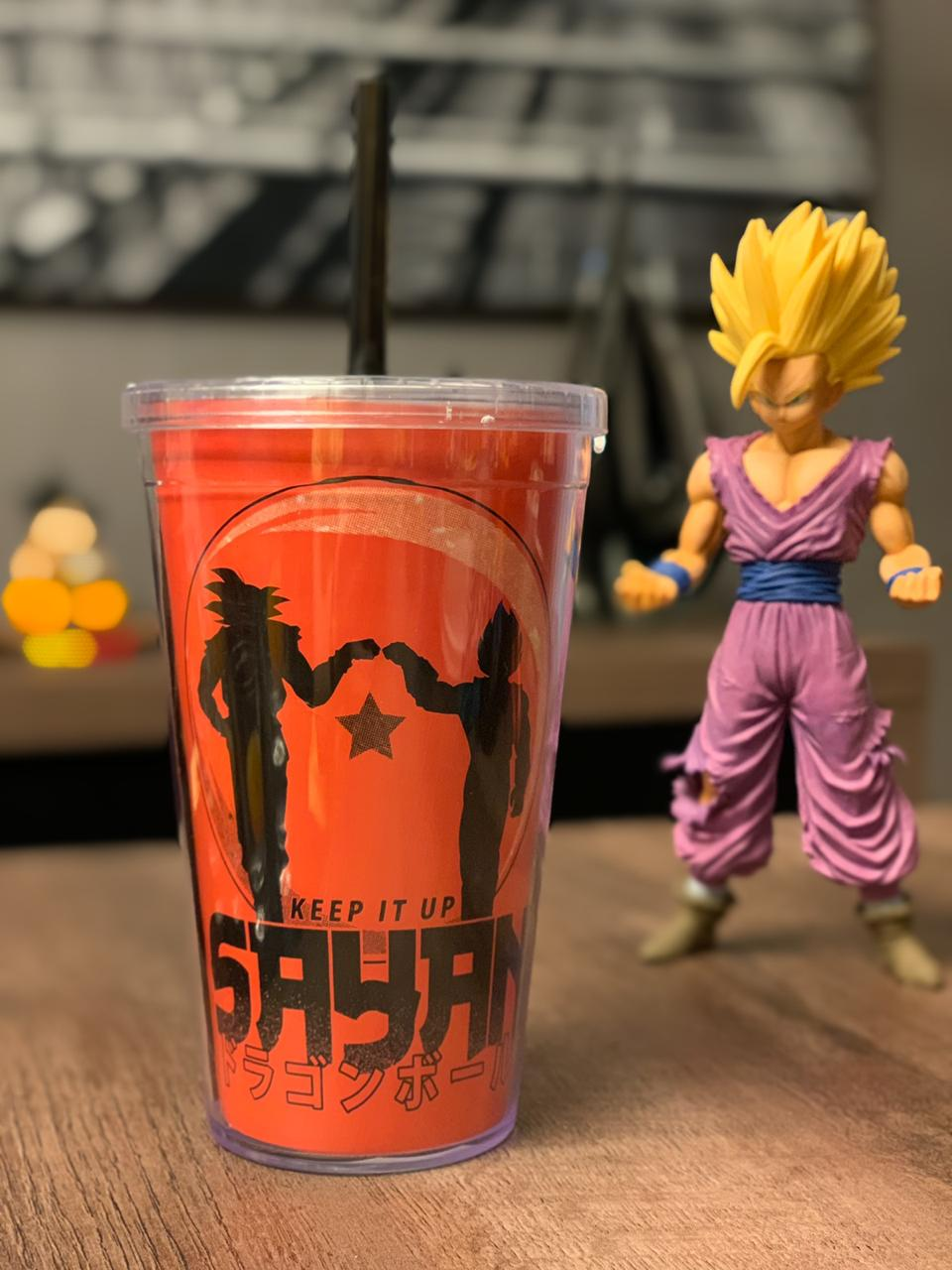 Copo com Canudo Keep It Up Sayan: Dragon Ball Z (Laranja) - 600ML