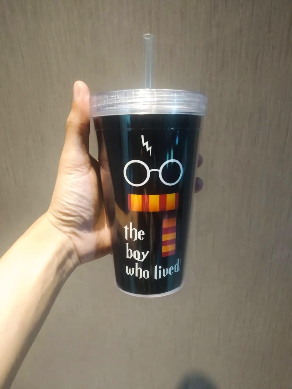 Copo Com Canudo:  ''The Boy Who Lived'' (Harry Potter) - 450ml