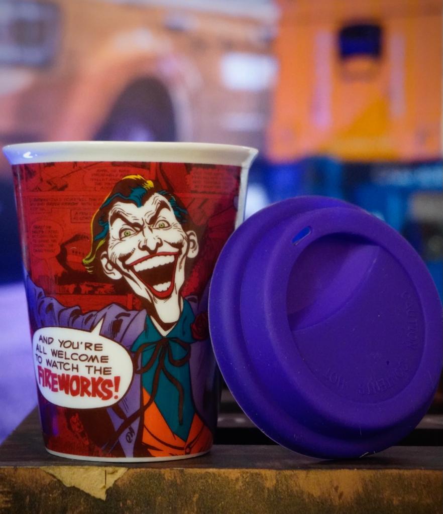 Copo com Tampa Silicone Coringa Joker - DC Comics