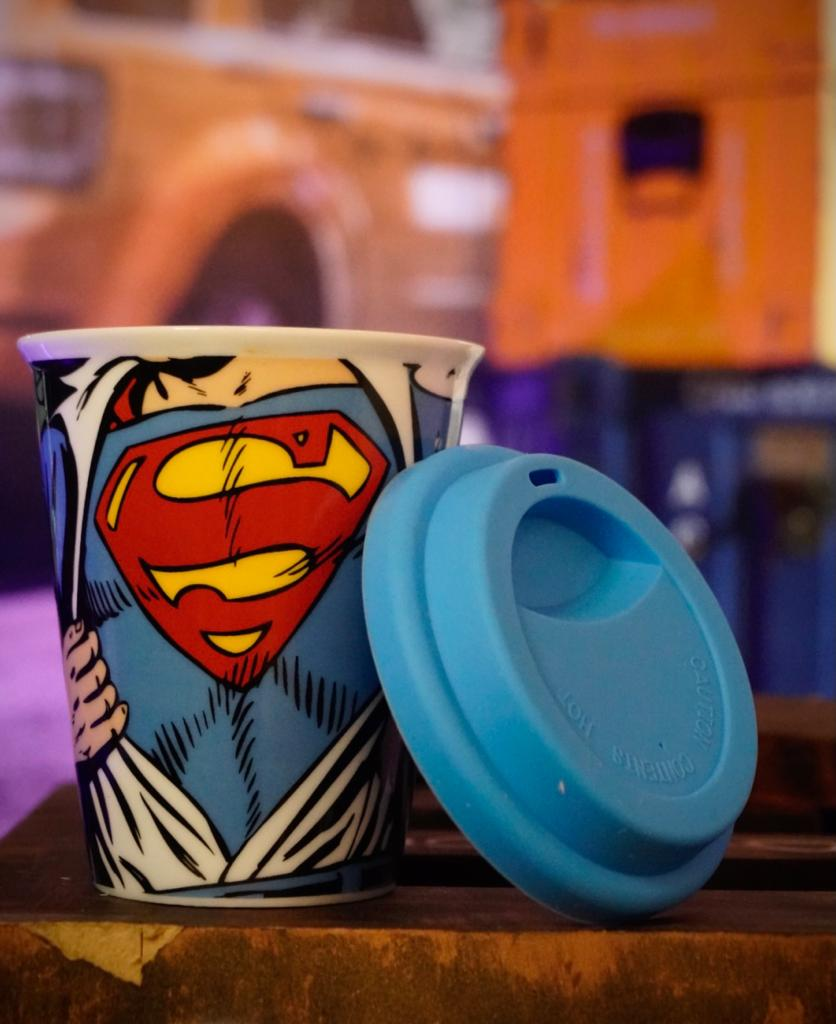 Copo com Tampa Silicone Super Homem Super-Man: DC Comics