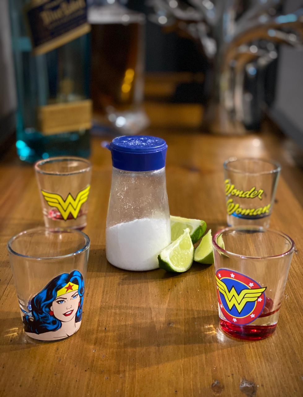 Copo Dose (Shot) Mulher Maravilha (Wonder Woman): DC Comics (Set 4 Peças) - Metropole