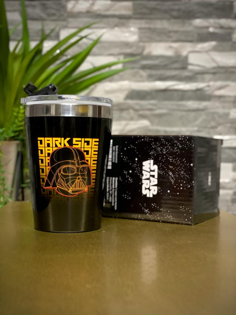 Copo Para Viagem ''Dark Side Darth Vader'': Star Wars (300ml)